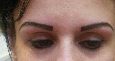 Rattrapper Et Correction D Un Maquillage Permanent